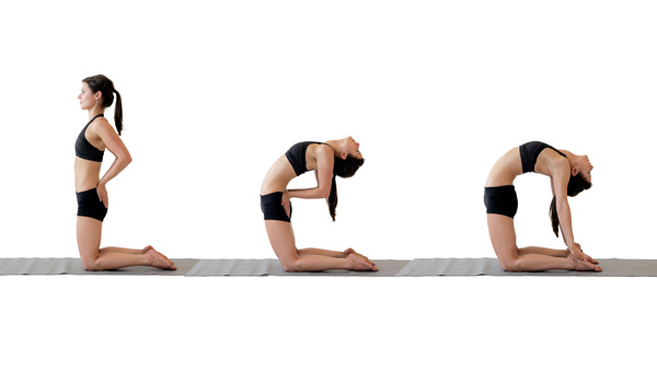 pose de camello se debe evitar en el yoga prenatal